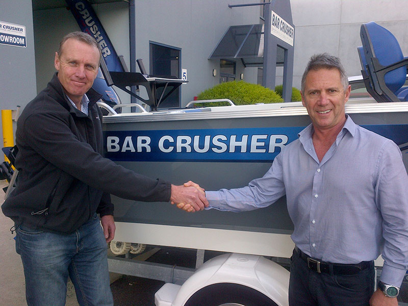 news-bar-crusher-and-raymarine-join-forces