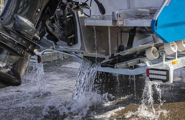 BOAT BUYING TIPS (4) – What does water ballast do?