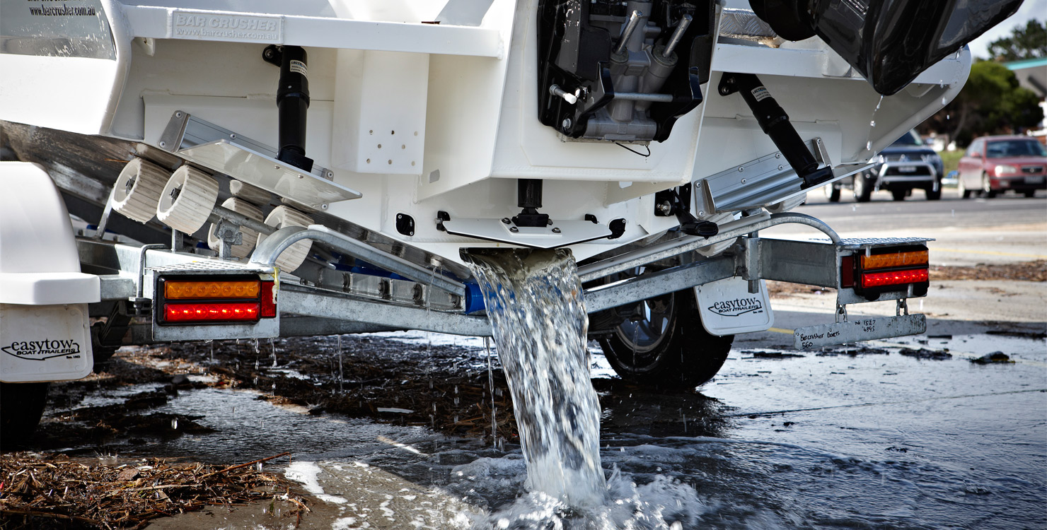 Quickflow® Water Ballast Hull | Bar Crusher