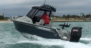 Bar Crusher 585HT Aluminium Boat Going Fishing